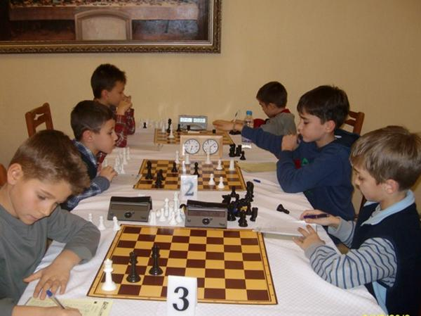 Усилени тренировки по шах за Държавния турнир