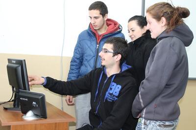 Габровско училище се сдоби с метеостанция