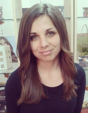 Зорница Цонева: Изрядните прическа и маникюр правят човека по-добър