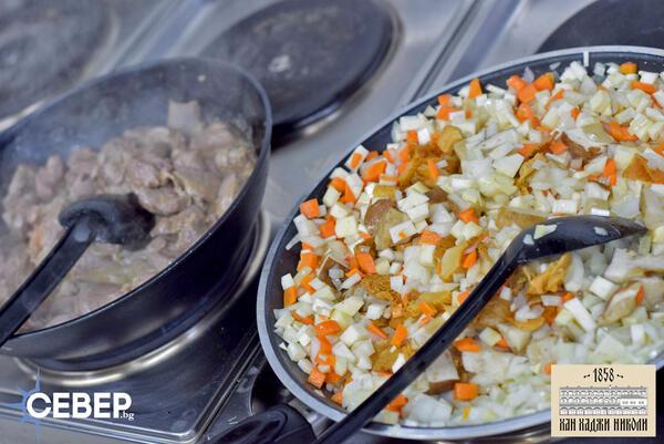 Да хапнем: Горски кебап от агнешко месо (Видео и снимки)