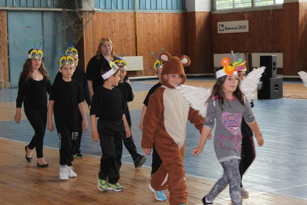 550 деца се преобразиха в Каралийчеви герои