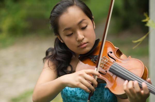 Известна японска цигуларка свири с Русенската филхармония