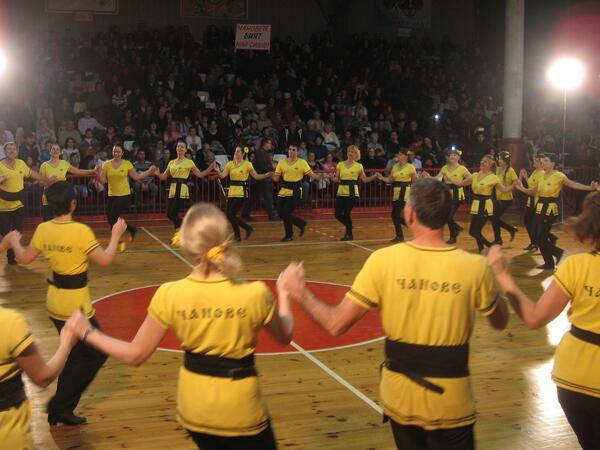 """Танцьорите от ФТТ""""Н.Киров"""" обраха наградите в Коледното надиграване в Русе"""