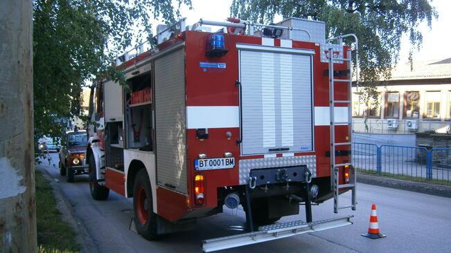 Двама мъже загинаха в пожари в Плевенско на Велика събота