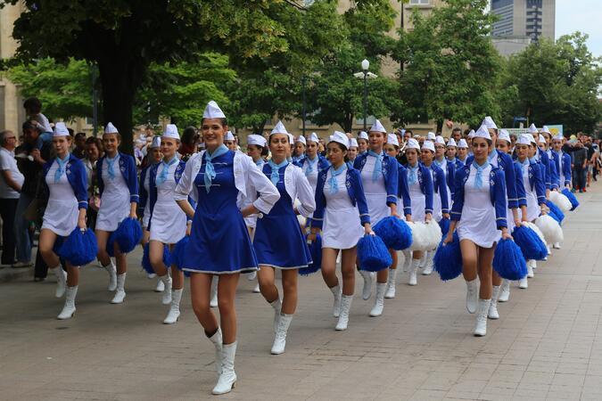"""Хорово изпълнение на """"Върви, народе възродени"""" в Русе и дебют на мажоретния състав за 24 май"""