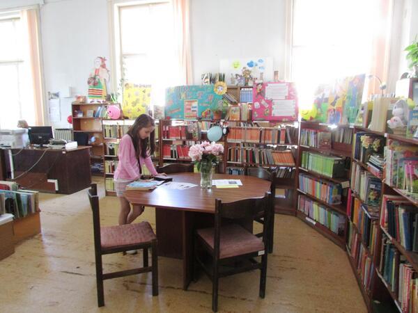Лятна читалня, работилници и занимателни игри за децата в Габрово