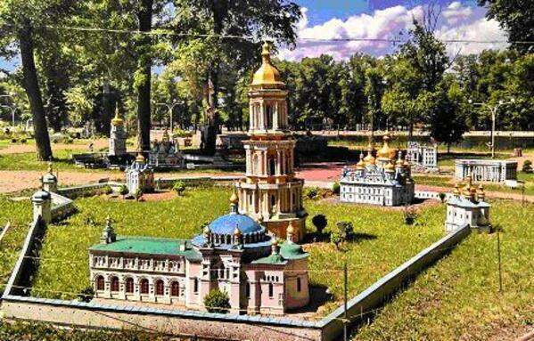 80 макета на знакови български паметници може да красят В.Търново
