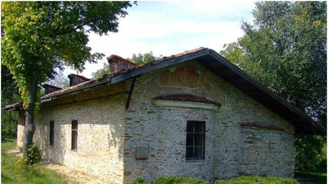 """Църква """"Св. Димитър"""" - село Арбанаси"""