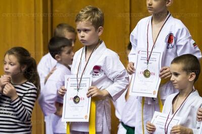 """29 медала за карате клуб """"Янтра"""" (СНИМКИ)"""