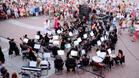 Празничен концерт край фонтана във Варна