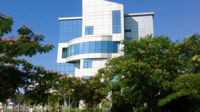 НАП - Русе - Е-услуги намалиха с 10 000 посещенията в офиса за половин година