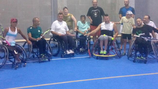 Състезатели в инвалидни колички показаха силата на човешкия дух