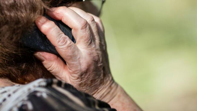 Настояват за арест за пенсионерка, прибрала 24 000 лева от телефонни измами
