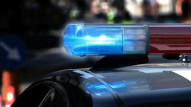 Двама души загинаха при челен удар между два камиона