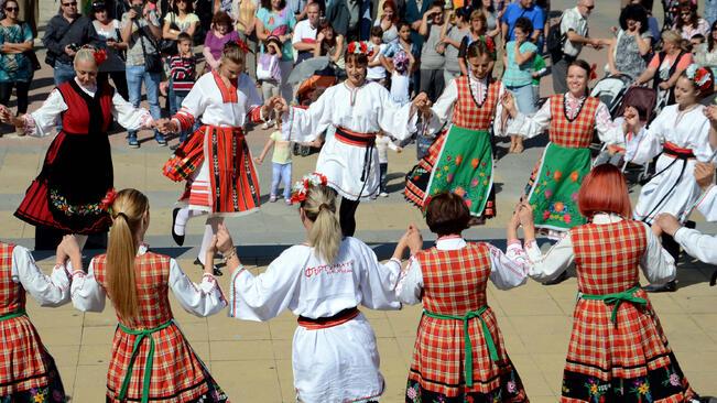 Великденско хоро ще се извие на 1 май в Русе