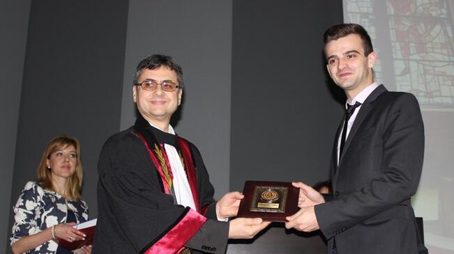 МУ-Плевен отличи най-изявените си студенти по повод 24 май